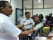 Kepala BNN Provinsi Bali, Brigjen Pol I Putu Gede Suastawa memberikan keterangan pers, Rabu, 8 November 2017 - foto: Istimewa