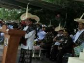 Sejumlah peserta upacara memperingati hari pahlawan di Kabupaten Rote Ndao mengenakan busana tradisional lengkap dengan topi khas, Ti'i Langa, Jumat, 10 November 2017 - foto: Isak Doris Faot/Koranjuri.com