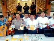 Sejumlah barang bukti selama operasi Sikat Agung 2017 yang dilancarkan Polresta Denpasar - foto: Istimewa