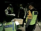Sejumlah kafe karaoke di Kubumen dirazia polisi, Jum'at malam (29/12) - foto: Sujono/Koranjuri.com