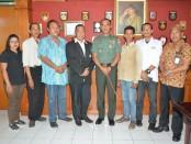 Dewan Pimpinan Wilayah (DPW) Bali IMO-Indonesia bertemu dengan Kolonel Arh. I Gede Widiana, Rabu, 6 Desember 2017 - foto: Penrem
