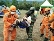 Tim evakuasi gabungan penanggulangan bencana erupsi Gunung Agung berhasil mengevakuasi 2 orang penyandang disabilitas mental di Dusun Perasan, Desa Ban, Kecamatan Kubu, Kabupaten Karangasem.