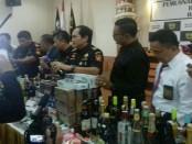 Sejumlah barang ilegal yang dimusnahkan Bea Cukai Denpasar - foto: Istimewa