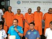 Deputi Pemberantasan BNN Irjen Arman Depari memberikan keterangan pers terkait penangkapan sejumlah pelaku yang terlibat dalam peredaran ekstasi cair di Diskotek MG - foto: Bob/Koranjuri.com