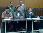 Tim Advokasi Forum Peduli Ustadz Abdul Somad (TA-FPUAS)  memberikan keterangan pers di Renon, Denpasar, Minggu, 24 Desember 2017 - foto: Istimewa