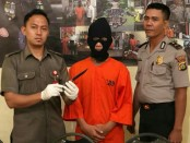 Pelaku penusukan penjaga warnet diamankan Polsek Denpasar Barat - foto: Istimewa