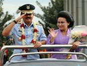 Marsekal TNI Hadi Tjahjanto didampingi Ketua Dharma Pertiwi Ny. Nanny Hadi Tjahjanto berpamitan untuk tugas berikutnya  sebagai Panglima TNI - foto: Istimewa