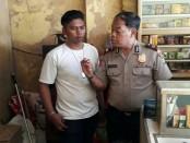 Warung jamu yang menjual miras oplosan di Bekasi ditutup polisi - foto: Bob/Koranjuri.com