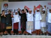 2 Paslon Gubernur dan Wakil Gubernur Bali menggelar deklarasi kampanye damai di kantor KPU Provinsi Bali, Minggu, 18 Februari 2018 - foto: Istimewa