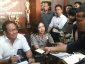 Subdit III Direktorat Reskrimum Polda Bali, Kombes Sang Made Mahendra Jaya menggelar keterangan pers terkait kasus penculikan warga asing di Polda Bali, Rabu, 7 Februari 2018 - foto: Istimewa