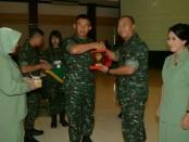 Pangdam IX/Udayana Mayjend TNI Benny Susianto memimpin serah terima jabatan Kasdam, Senin, 26 Maret 2018 - foto: Istimewa
