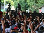 Calon Gubernur dan Wakil Gubernur Bali nomor urut 1, Wayan Koster -Tjok Oka Artha Ardhana Sukawati (Koster-Ace) menggelar kampanye di sejumlah titik di Kabupaten Buleleng - foto: Istimewa