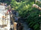 Pembangunan fisik dalam kegiatan Pra TMMD di Desa Pangsan, Kecamatan Petang, Badung, Kamis, 29 Maret 2018 - foto: Istimewa