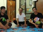 Kelian Adat Banjar Panca Dharma Nyoman Sumaryadi (tengah) - foto: Istimewa