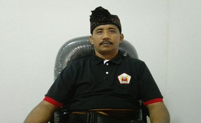 Bendesa Adat Desa Kerobokan, Anak Agung Putu Sutarja - foto: Koranjuri.com