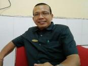 Panitia PPDB yang juga Waka Kesiswaan SMK PGRI 3 Denpasar, Made Sugiartana - foto: Koranjuri.com