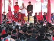 Wayan Koster cagub Bali periode 2018-2023 melihat ketimpangan kesejahteraan di wilayah Kabupaten ujung Timur Pulau Bali. satu-satunya cara jitu untuk mengentaskan kemiskinan di wilayah itu adalah dengan meningkatkan kualitas pendidikan - foto: Istimewa