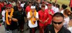 Reaksi Koster Kasus Bule Duduki Tempat Sakral di Bali