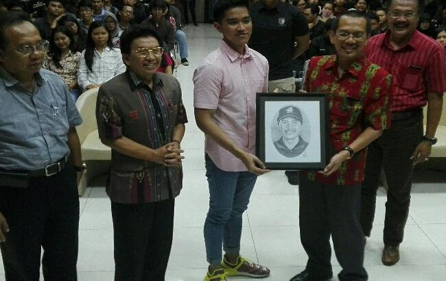 Perkenalkan Sang Pisang, Kaesang Pangarep Dekati Kawula Muda Bali
