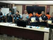 Pengungkapan kasus pencurian rumah kosong oleh Ditreskrimum Polda Metro Jaya - foto: Bob/Koranjuri.com