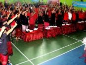 Pasangan calon Gubernur dan Wakil Gubernur Bali nomor urut 1, Wayan Koster-Tjok Oka Artha Ardhana Sukawati (Koster-Ace) menghadiri simakrama dengan warga dari tiga desa di Kecamatan Denpasar Utara - foto: Istimewa