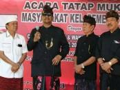 Penglingsir Puri Pemecutan, Ida Cokorda Pemecutan XI bersama pasangan Cagub-cawagub nomer urut 1, Wayan Koster-Tjok Oka Artha Ardhana Sukawati - foto: Istimewa