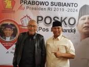 Keterangan foto: Eko.Sriyanto bersama Permadi pada saat peresmian posko Format./ foto : istimewa/koranjuri.com