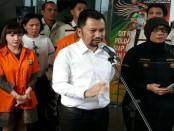 Pelimpahan kasus narkoba ke kejaksaan yang menjerat pedangdut Roro Fitria dan Dhawiya - foto: Bob/Koranjuri.com