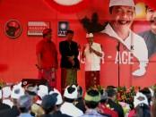 Wayan Koster saat mesimakrama di Desa Penarukan, Kecamatan Buleleng, Kota Singaraja, Kamis (3/5/2018) di Wantilan Desa Penarukan - foto: Istimewa
