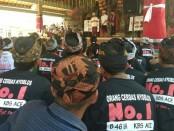 Calon Gubernur Bali nomor urut 1, Wayan Koster menggelar simakrama dengan ratusan warga Desa Pakraman Pangi, Kecamatan Dawan Kabupaten Klungkung - foto: Istimewa