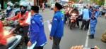 Meriahkan Puasa Partai Demokrat Purworejo Bagi-bagi Takjil