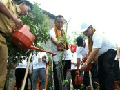 32.000 pohon ditanam secara serentak di seluruh Indonesia pada peringatan Hari Lingkungan Hidup (HLH) Sedunia 5 Juni 2018 - foto: Istimewa