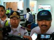 GM BNR Bali Yanus Suprayogi (kanan) saat memberikan keterangan pers terkait Posko Terpadu Angkutan Udara Lebaran 2018, Rabu (6/6/2018) di Tuban - foto: Ari Wulandari/Koranjuri.com
