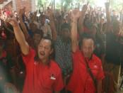 Ratusan warga Desa Pakramana Kayu Putih, Desa Sinala, Kecamatan Sukasada, Kabupaten Buleleng, Selasa (11/6) - foto: Istimewa