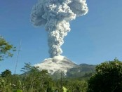 Letusan Gunung Merapi di Magelang, Jawa Tengah, Jumat, 1 Juni 2018 - foto: Istimewa