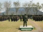 Para siswa baru SMK N 4 Purworejo, saat mengikuti kegiatan LDDK (Latihan Dasar Disiplin Korps) dibawah bimbingan personel Pos TNI AL Keburuhan, Kamis (19/7/2018) - foto: Sujono/Koranjuri.com