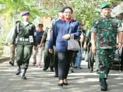 Pangdam IX/Udayana Mayjen TNI Benny Susianto bersama rektor Unud Prof. Dr., dr., AA Raka Sudewi, Sp.S (K) - foto: Istimewa