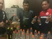Kepolisian Sektor (Polsek) Cengkareng Polres Metro Jakarta Barat menggelar razia minuman keras - foto: Istimewa