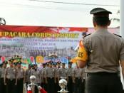 Upacara kenaikan pangkat 32 personel Polres Kebumen, Senin (2/7) - foto: Sujono/Koranjuri.com