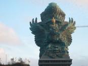 Patung Garuda Wisnu Kencana - foto: Koranjuri.com