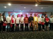 Sejumlah relawan Jokowi di Bali secara resmi berdeklarasi sebagai bentuk dukungan untuk memenangkan pasangan Jokowi-Ma'ruf Amin dalam Pilpres 2019 mendatang - foto: Koranjuri.com