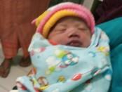 Bayi malang yang ditemukan warga dibawah meja sebuah warung di Banjar Angseri Baturiti, Tabanan, Kamis, 16 Agustus 2018 - foto: Istimewa
