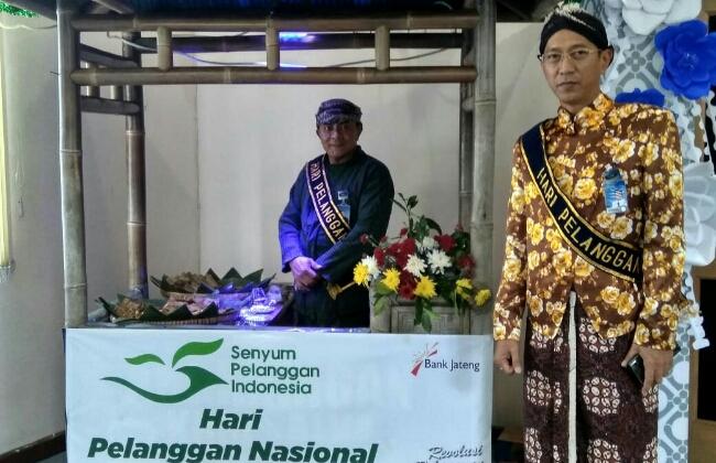 Peringatan Hari Pelanggan Nasional di Bank Jateng Cabang Purworejo, Selasa (4/9) - foto: Sujono/Koranjuri.com