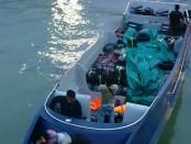 Speed boat bermuatan Mikol ilegal ditangkan tim gabungan Lanal Tanjung Balai Karimun - foto: Istimewa
