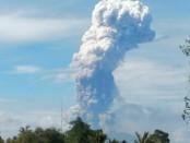 Gunung Soputan di Kabupaten Minahasa Tenggara, Provinsi Sulawesi Utara meletus pada Rabu, 3 September 2018 pukul 08.47 Wita - foto: Istimewa
