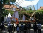 Pertunjukan seni Panji yang ditampilkan di tengah event IMF-WB di Nusa Dua, Bali - foto: Koranjuri.com