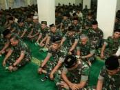 Khusuk para prajurit TNI Kodam IX/Udayana mengadakan Doa Bersama menjelang detik-detik tanggal 1 Oktober 2018 yang diperingati sebagai Hari Kesaktian Pancasila - foto: Istimewa