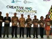 Foto bersama para pembicara dalam kegiatan  'Creative and Innovative Financing Forum' yang dibuka Dirjen PPR Luky Alfirman - foto: Ari Wulandari/Koranjuri.com