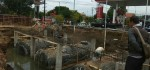 Pembangunan Perluasan Pom Bensin Suronegaran Dihentikan Satpol PP
