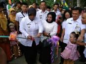 Wabup Purworejo, Yuli Hastuti, saat meresmikan Desa Panggeldlangu sebagai Kampung KB yang ke 31 - foto: Sujono/Koranjuri.com